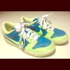Nike Women's Dunk Low 317813-431 size 8.5 RARE